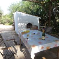 Hotel Pictures: Casita Escondida, Colmenar