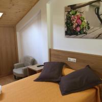 Hotel Pictures: Complexo Xacobeo, Tríacastela
