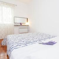 Comfort Two-Bedroom Apartment with Terrace and Sea View