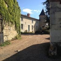 Hotel Pictures: Manoir de la Tête Rouge, Le Puy-Notre-Dame