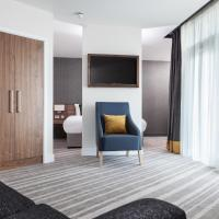 Junior King Suite with Club Lounge Access
