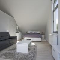 Hotel Pictures: Aan Den Oever Logies, Korbeek-Dijle