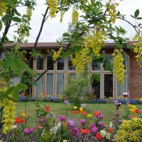 Hotel Pictures: Maison Addama, Neyron