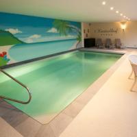 Hotel Pictures: Luxurious Villa 't Kasteelhof, Veulen