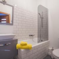 One-Bedroom Apartment - Smolna 20 Street