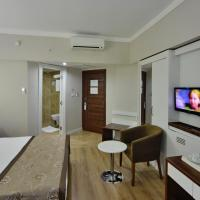 Double Room with Balcony and Garden or Pool View