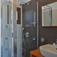 Double or Twin Room with Hydromassage Shower