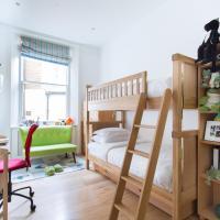 Three-Bedroom Apartment - Barkston Gardens V
