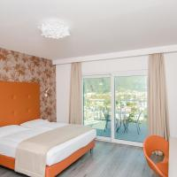 Deluxe Double or Twin Room with Balcony and Lake View
