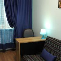 Small Single Room with Shared Bathroom