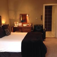 Double Room with Bath/Shower