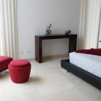 Four-Bedroom Luxury House (8 people)