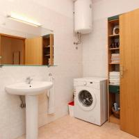 Two-Bedroom Apartment with Terrace - Dinka Simunovica  2A