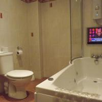 Twin Room with Bath/Shower