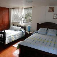 Hotel Pictures: Hostal Las Bugambillas, Tababela