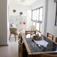 Hotel Pictures: Seafront Apartment, Puebla de Farnals