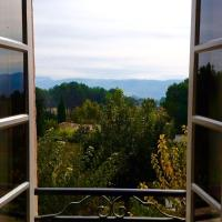 Hotel Pictures: Roumanille, Lauris, Puget