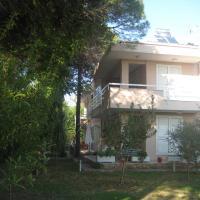 Hotel Pictures: Apartment Vila F3 Gjiri I Lalezit, Mullini i Danit