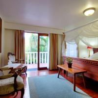 Deluxe King Room with Private Entrance