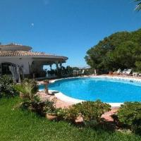 Six-Bedroom Holiday home in Los Narcisos