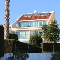 Hotel Pictures: Beach Side Apartment, Limassol