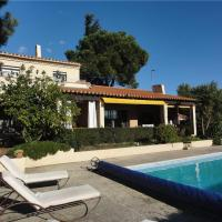 Four-Bedroom Holiday home in Rue de LIle