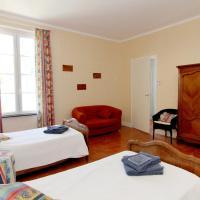 Hotel Pictures: Les Volets Bleus, Sallèles-d'Aude