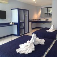 Hotel Pictures: SailFish Resort, Placencia Village