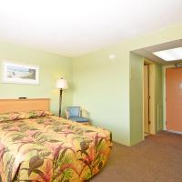 1 Bedroom Pool/Boulevard View Single with 1 Queen Bed - F