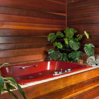 Queen Room with Jetted Tub and Deluxe Balcony