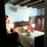 Honey - Queen Room