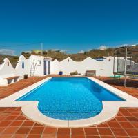 Hotel Pictures: Chalet Torre del Mar, Almayate Alto