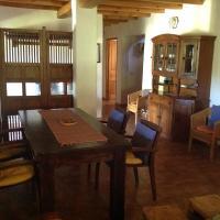 Hotel Pictures: Casa Venera, Castaño de Robledo