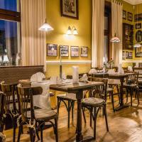 Hotel Pictures: Pension & Motel Alte Schule, Elsterwerda