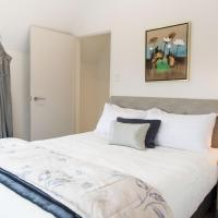 Two-Bedroom Apartment with King and Queen Bed