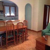 Hotel Pictures: Apartment Serrano, Alcañiz