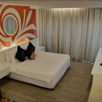 Courtyard Suite with Double Bed