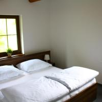 Hotel Pictures: Penzion Biograf, Klíny