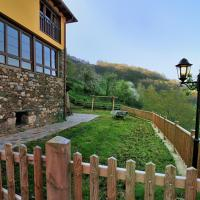 Hotel Pictures: Casa Corral - Casas de Aldea, Monón