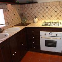 Four-Bedroom Apartment (6 Adults) - Split Level - 72, Via Mandralisca