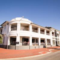 Hotel Pictures: Cottesloe Beach Hotel, Perth
