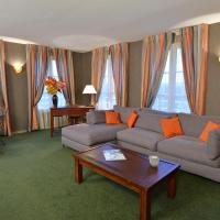 Family Suite (6 Adults)