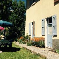 Hotel Pictures: Le Chamois Bleu, Saint-Paul