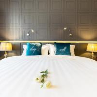 Deluxe Room with Twin or Queen Bed
