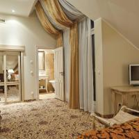 Deluxe Double Room with Spa Access