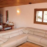 Hotel Pictures: Holiday Home Puigpunyent 05, Puigpunyent
