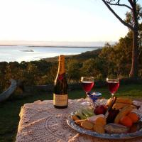 Hotel Pictures: Island View Spa Cottage, Smithton