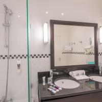Privilege Room with 1 Double Bed and 1 Single Bed