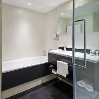 King Junior Suite with Lounge Access