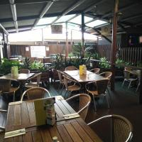 Hotel Pictures: The Young Australian Hotel, Gladstone